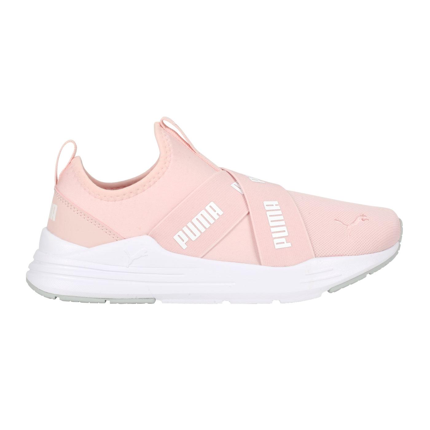 PUMA 女款休閒鞋  @Wired Run Slipon Wmns@38229903 - 粉紅白