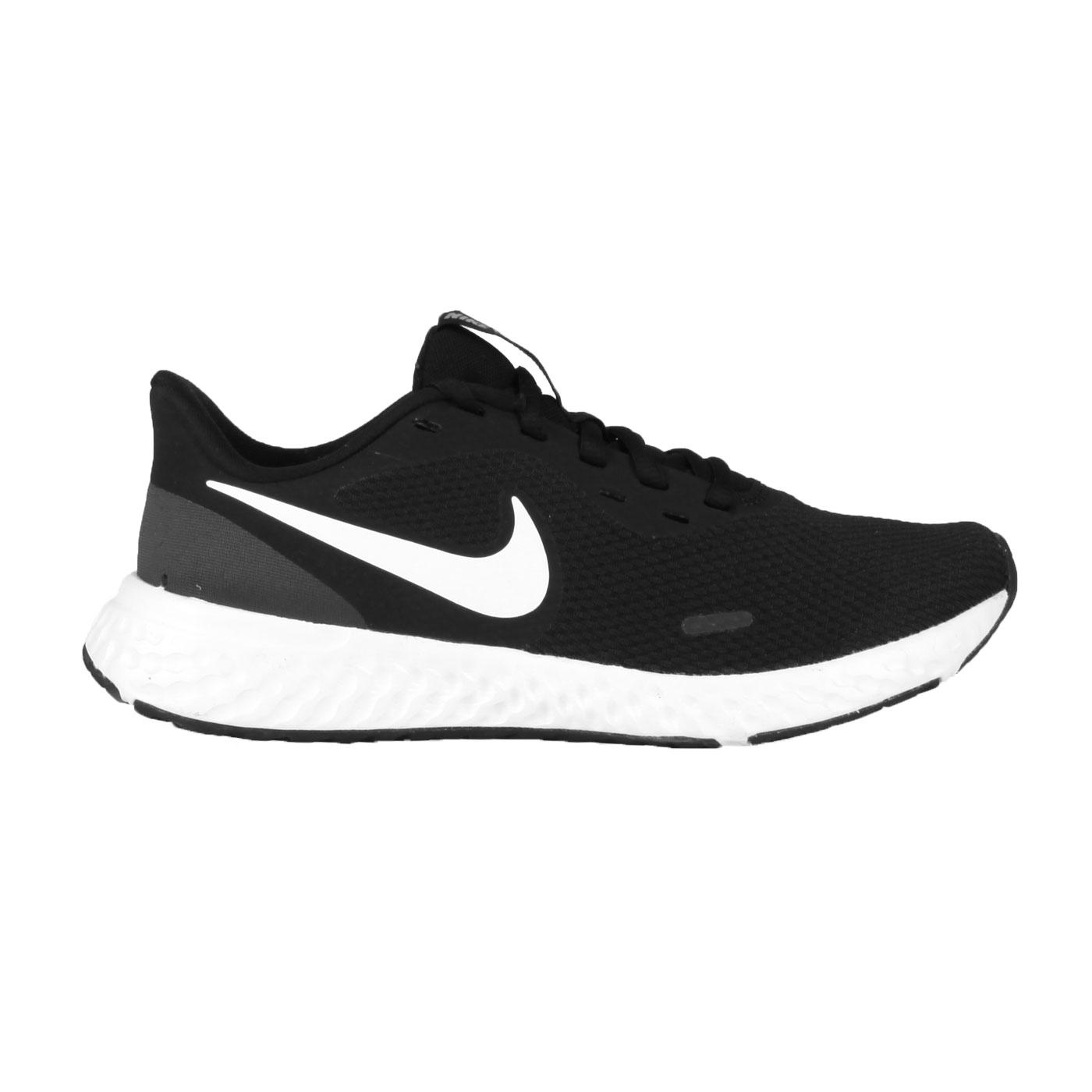 NIKE 女款慢跑鞋  @WMNS REVOLUTION 5@BQ3207002 - 黑白