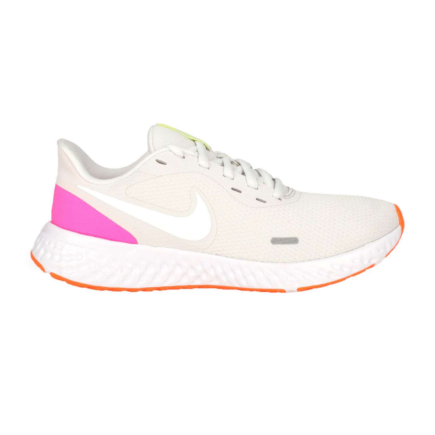 NIKE 女款慢跑鞋  @WMNS REVOLUTION 5@BQ3207002 - 淺灰白亮粉