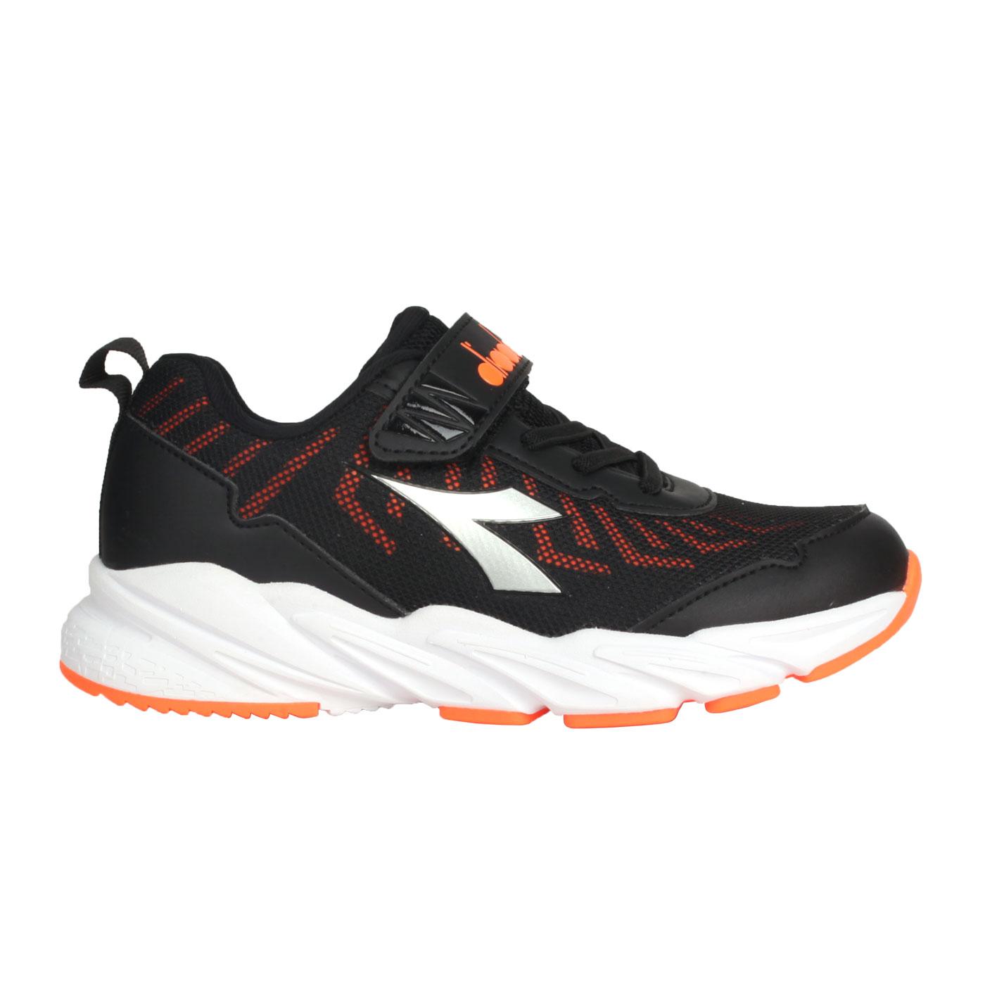 DIADORA 中童輕量慢跑鞋-超寬楦 DA13011 - 黑銀橘