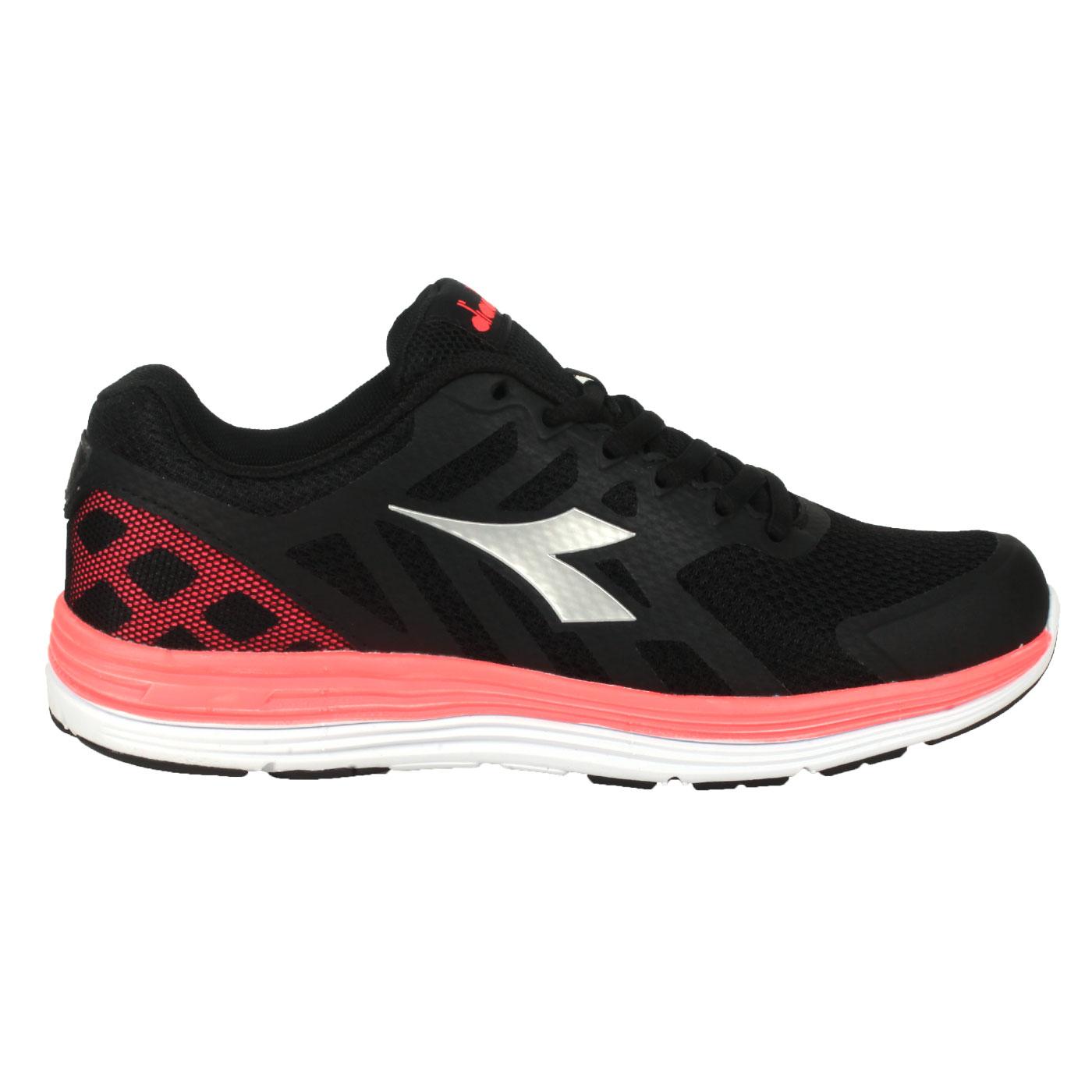 DIADORA 女款專業輕量慢跑鞋 DA31633 - 黑銀螢光粉