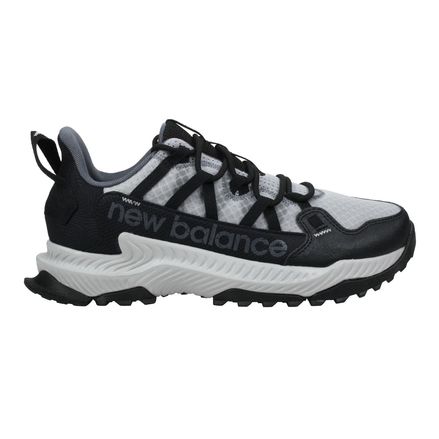 NEW BALANCE 男款越野跑鞋-2E MTSHALK - 淺灰黑