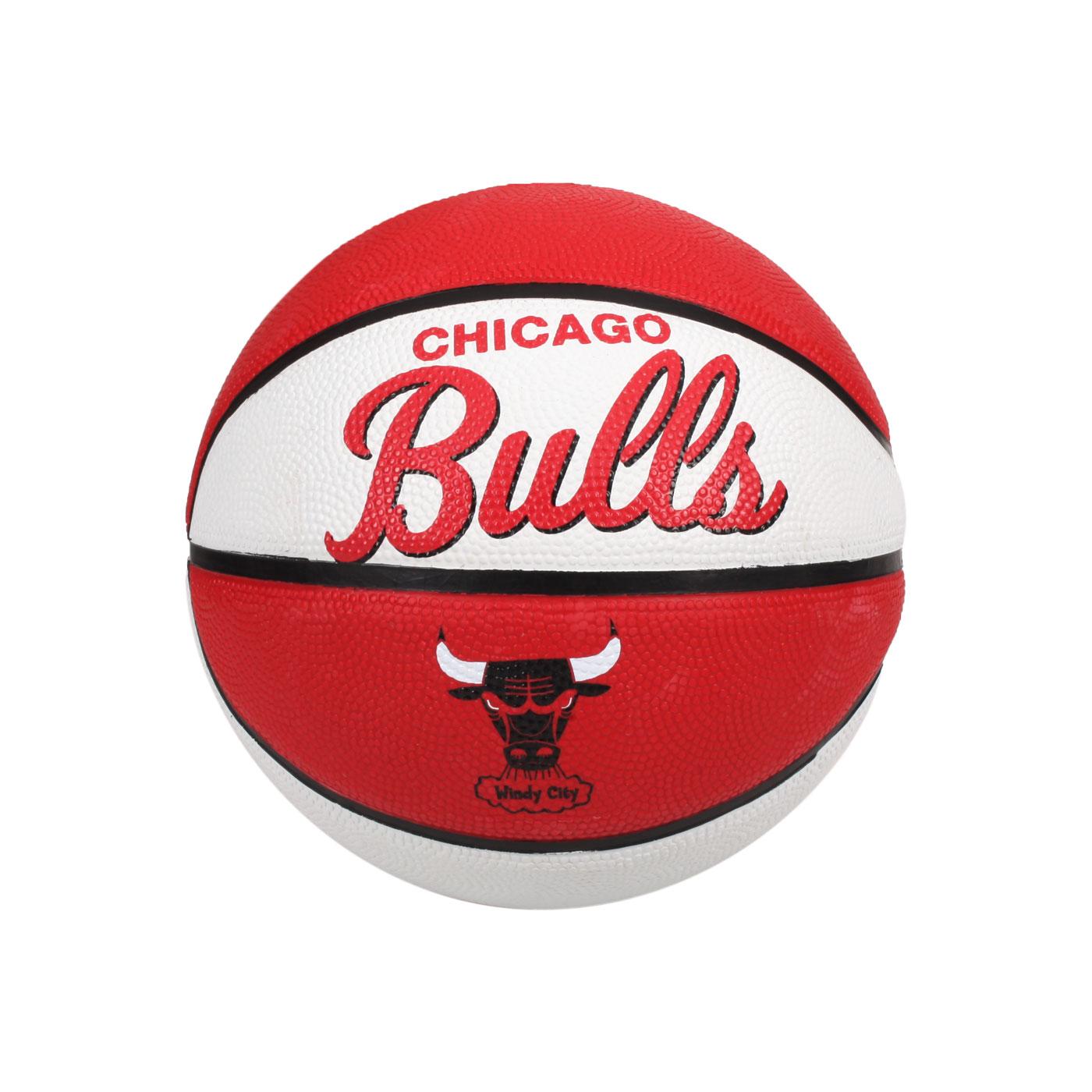 WILSON NBA隊徽系列橡膠籃球-復古公牛隊#3 WTB3200XBCHI - 白紅黑